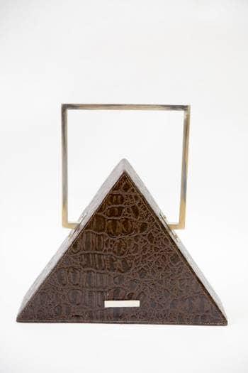 Bolso en forma triangular