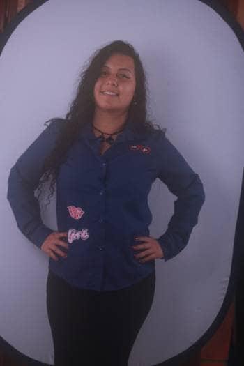 Camisa azul con parches