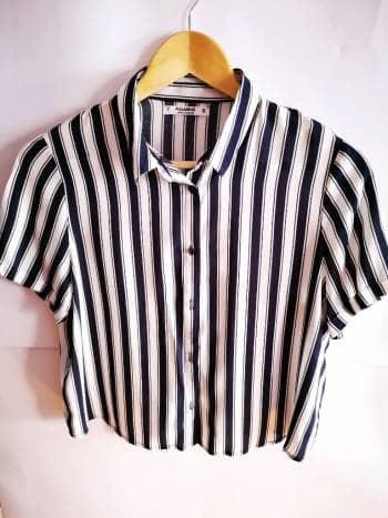 Camisa corta suelta
