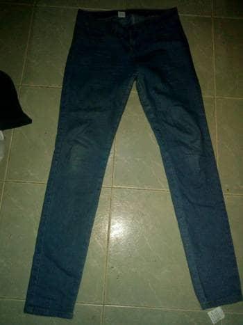 Hermoso Jean descaderado talla 6