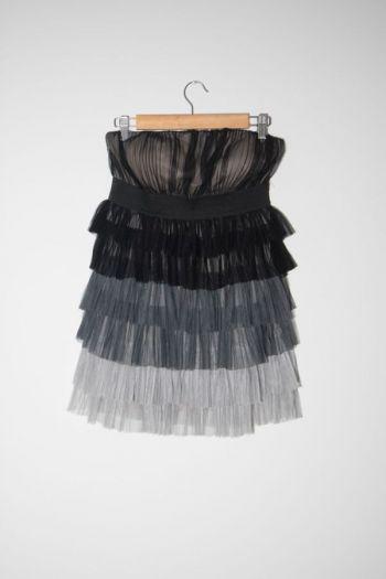 Vestido strapless gris y negro
