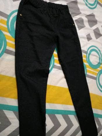 Jean negro bota tubo